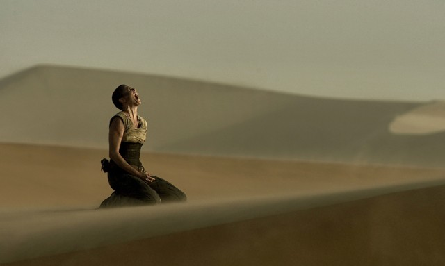 hero-landscape-mad-max-fury-road-image-charlize-theron